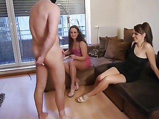 2 Girls pissing in mouth