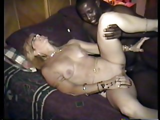 cuckold's wife likes it deep dark and naked