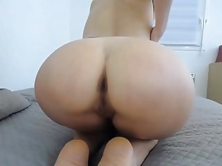 older romanian cam-slut
