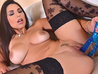 The Perfect Busty beauty Zafira Finger Bangs herself for you
