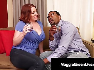 All Natural Porn Star Maggie Green Is Tongued By Rome Major!