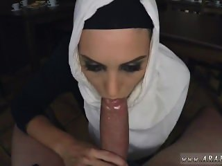 Muslim cuckold Hungry Woman Gets Food and