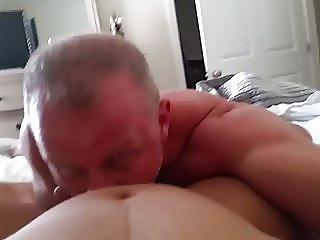 Sucking her clit until she cums LOUDLY