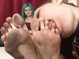 Extremely Dirty Feet Licking For Lesbo Foot Slut