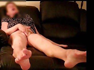GILF cumming hard and fast