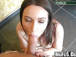 Akasha Cullen - Hairdresser Takes Cash for Anal - Public Pic