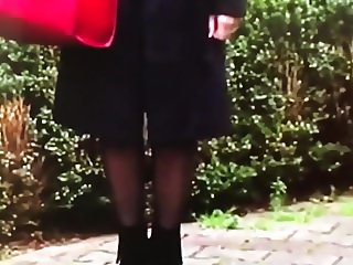 Slut Gurbet turkish woman in Shiny black pantyhose