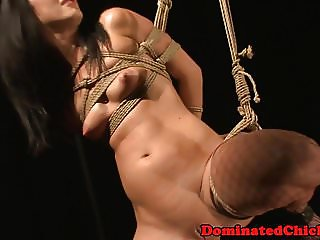 Alluring eurobabe tastes maledoms piss