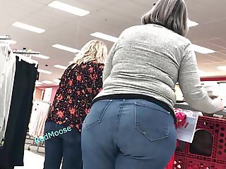 Huge Ass On Gilf She Even Dances (PAWG)