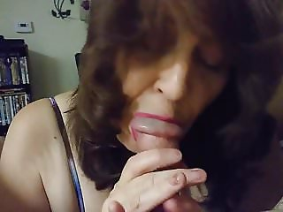 Mature cock worshipping