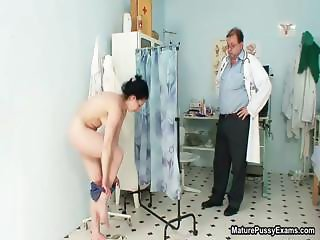 Hairy mature wife gets her tight pussy part4