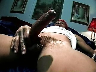 Black brotha jerking off to release