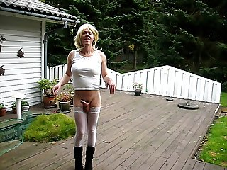 Jeannet Fuentes hard tranny cock in the garden