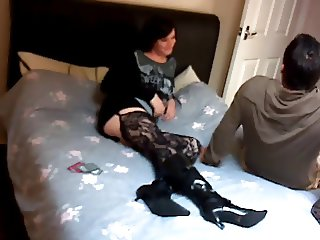Crossdresser and BF make amateur oral