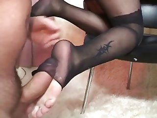 Michelle Get his Cum Over Her foot feets