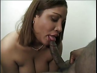 Kira Gives Great Head And Receives Facial