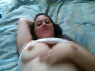 amateur couple fucking on bed