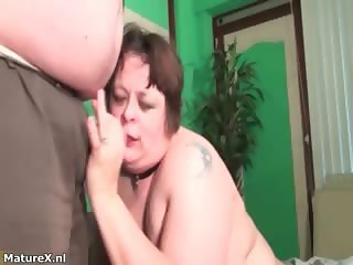 Horny fat woman goes crazy fingering her part3
