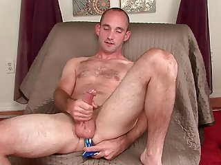 Str8 exhibitionist dildo fuck and wank.