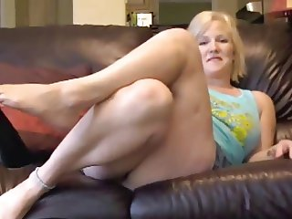 Blonde Wants Your Jerking