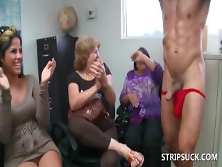 Sexparty with stripper getting BJs