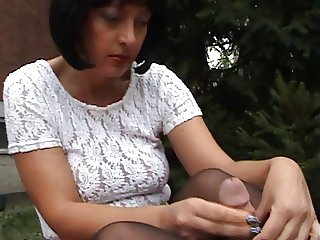 Pantyhose Wank Part 3 (with cumshot) H57004