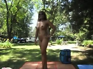 She Gets Naked at the Park