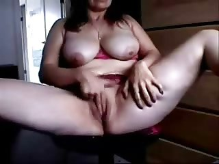 Watch mature slut fingering at computer. Amateur