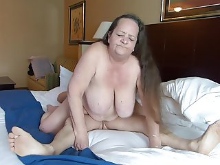 Silver Stallion gets reverse Cowgirl with Vixen7val