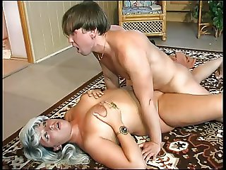 Russian mature woman fucked on the floor