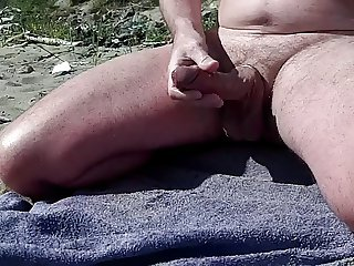 scottish exhibitionist beach wank