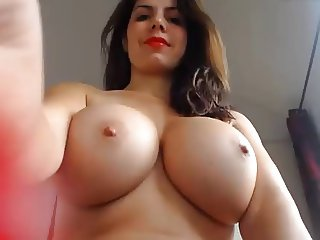 Big tits squirt job from this hottie