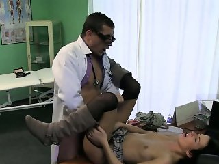 Squirting brunette patient gets fucked by her doctor