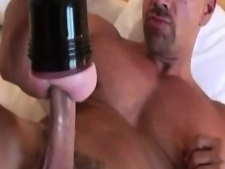 Muscled straight stud hunk solo fun