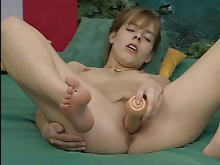 Another german amateur dildoing to 2 orgasms