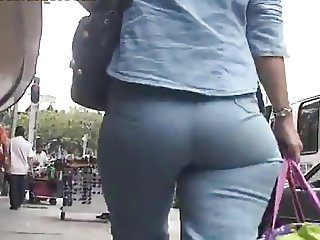 Very jiggly and wide hips tight jeans butt