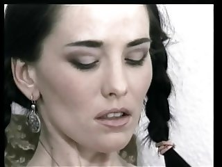 Braided brunette shares a bottle in the snatch with short haired blonde