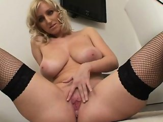 Busty blonde whore gets horny rubbing part5