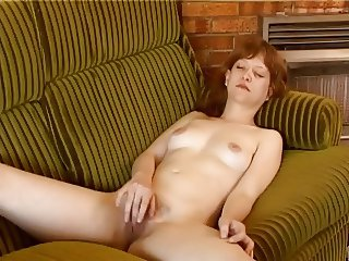 Brit Milf Cant Stop Cumming !