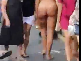 busty shemale walks totally nude on street !