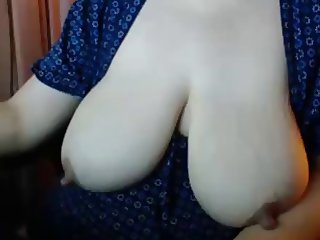 Large nips on cougar with saggy tits