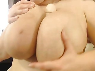 Huge natural pair with large areola on dildo jacking Babe