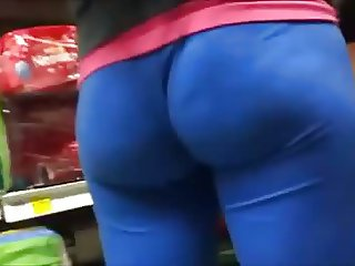 PHAT PLUMP ASS IN BLUE TIGHTS