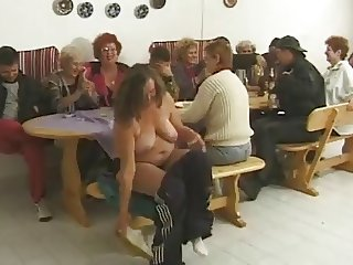 7 Grannies Party