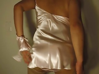 More Silly Dancing in Satin, Silk