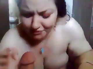 IRAQI bbw blowing