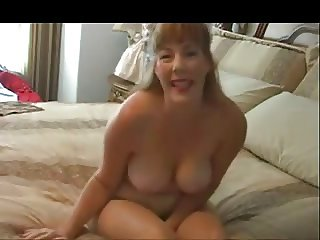 Chubby naked amateur chick