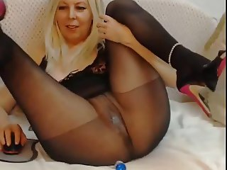 Pantyhose Squirt (Webcam)