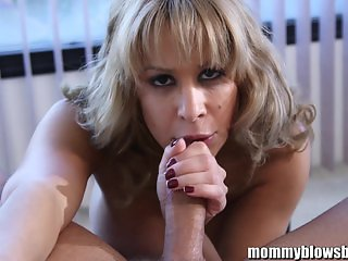 MommyBB Mommy is cheating with her trainer