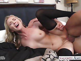Small breasted wife Karla Kush gets facialized